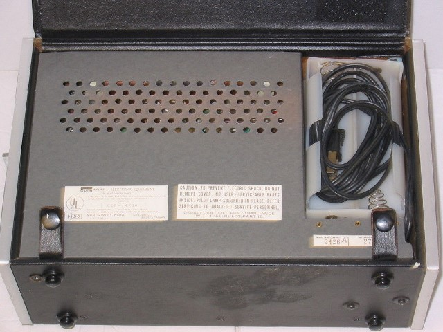 Montgomery Ward Airline Radio Model GEN-1473A