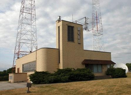wcfl-1976-transmitter-building-downers-grove-il