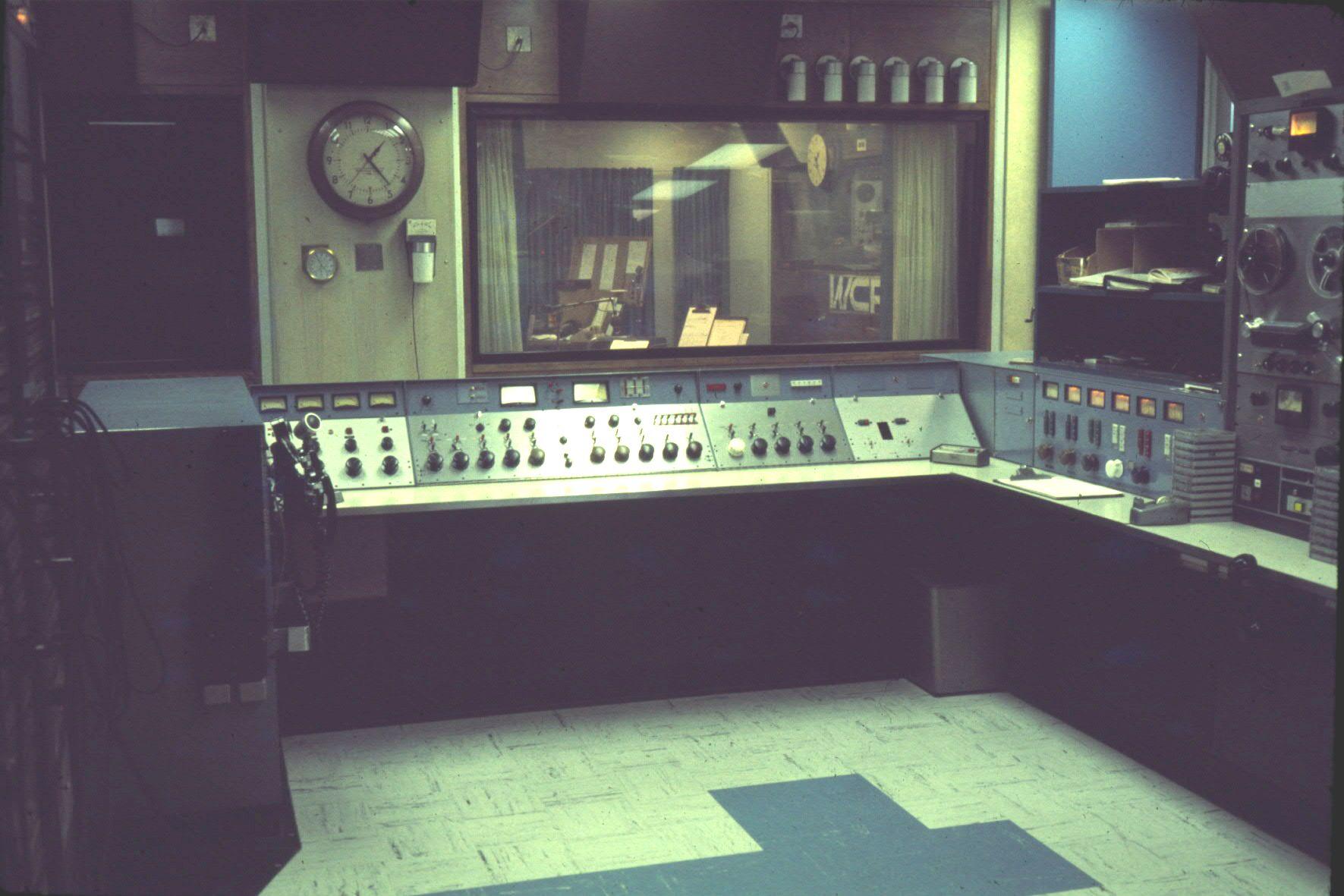 wcfl-dec_1975-master-control-2